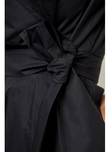 Setre Sarı Bağcık Detaylı Poplin Bluz Siyah